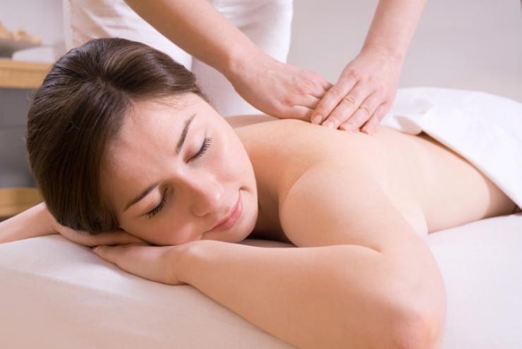 Masáže a fyzioterapeut (nelze využívat výhod samui spa )