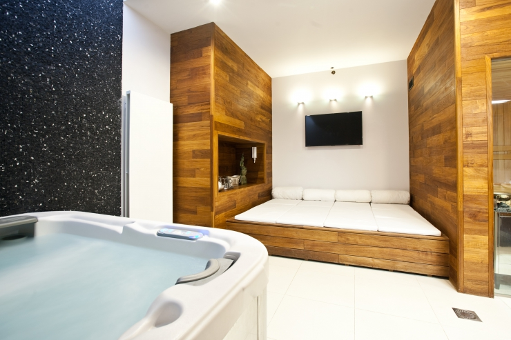 SPA2: Privat sauna + Whirlpool